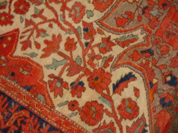 14953 Malayer worn to perfection antique rug 6.3 x 4.4 ft / 188 x 133 cm Beige Red Green