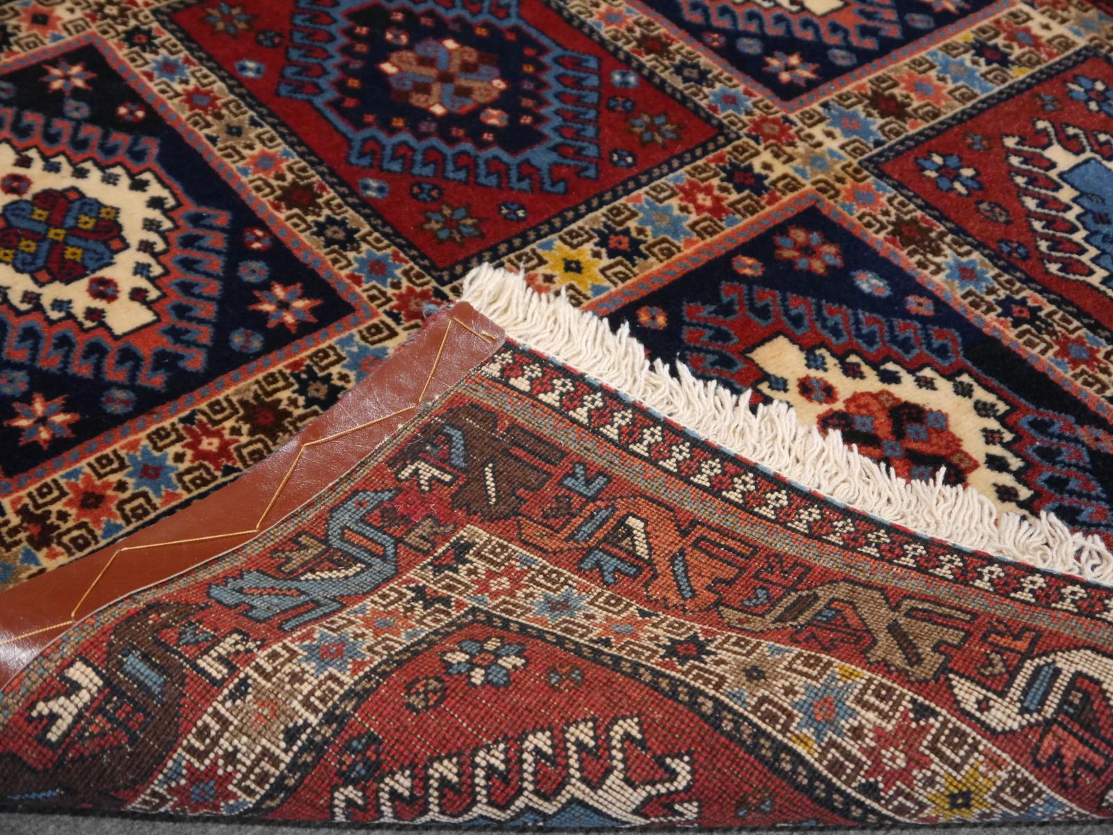 13817 yalameh persian carpet 4 8 x 3 3 ft 147 x 102 cm. Black Bedroom Furniture Sets. Home Design Ideas