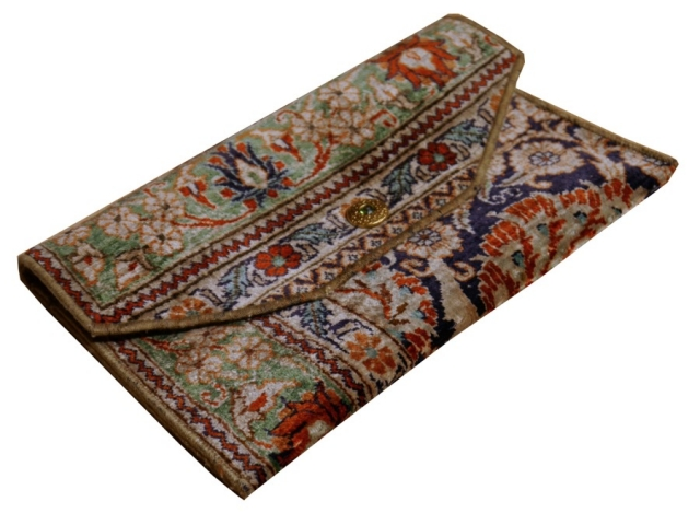 00010 Handbag clutch made of Hereke silk carpet 11 x 7 inch vintage design